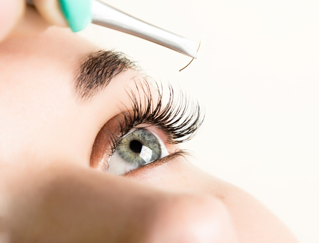 Best Eyelash Extensions Near Me