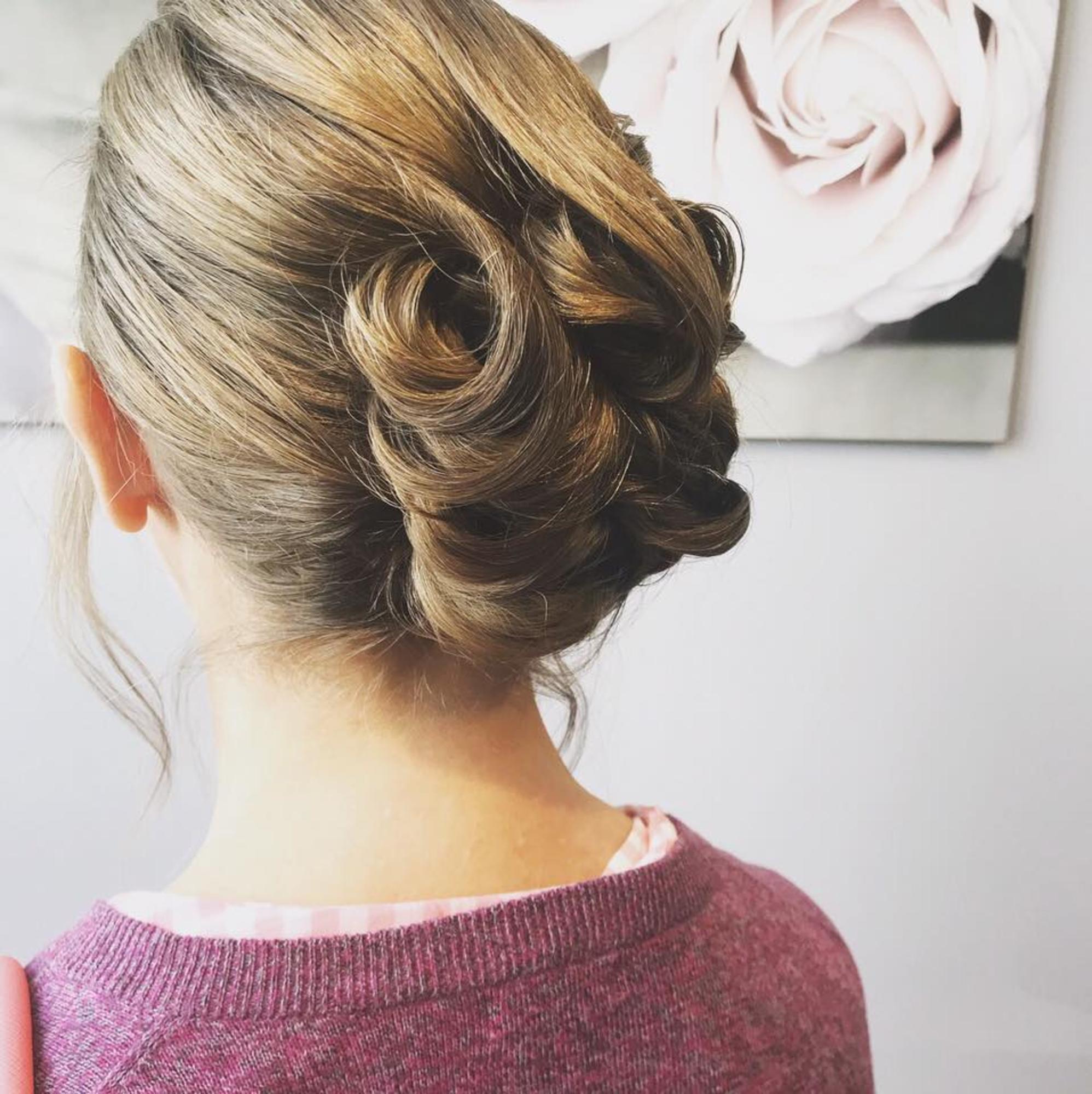 Salon Audrey – Gabrielle Rogers